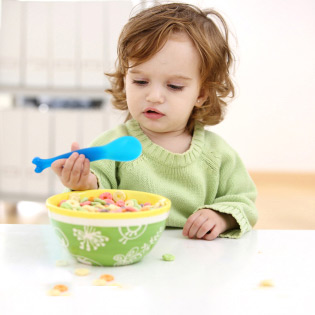 wte-landing-toddler-gear-big-spoon-full